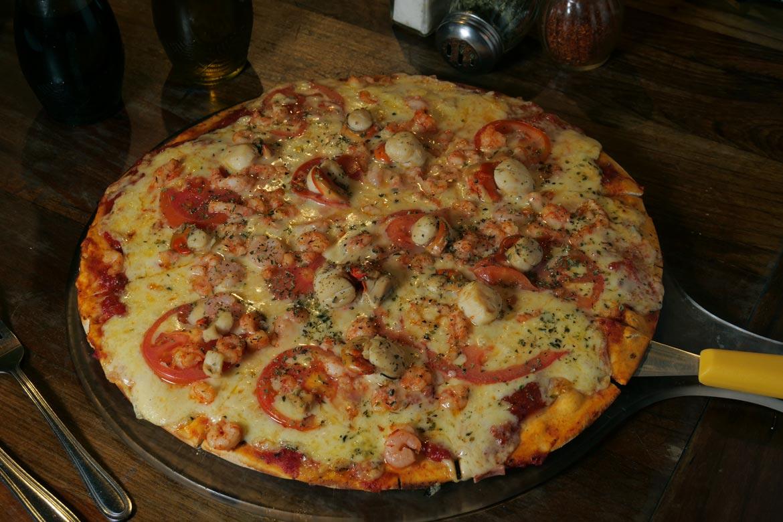 huentelauquen_restobar_pizzas_slider_01